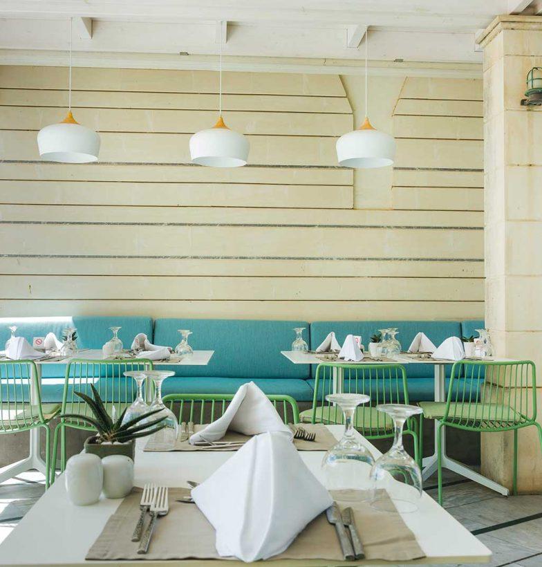 Accommodation-Finance-Hospitality-Australia-Cafe